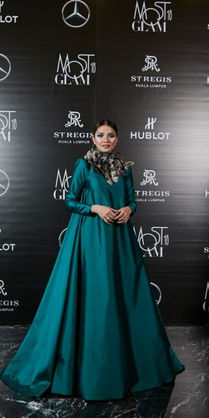 Selebriti Best Dressed Malam Surrealist Most GLAM 2018